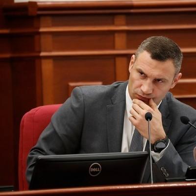 Кличко: Правоохранительные органы должны немедленно разобраться с ситуацией вокруг строительства автозаправки на улице Ревуцкого