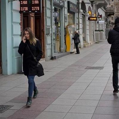 Невероятное видео: пешеход избежал смертельной опасности