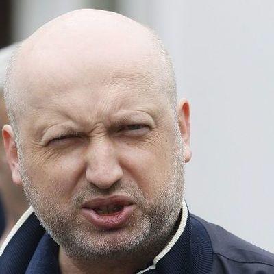Турчинов назвал мелочью конфликт с Савченко