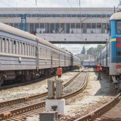 В Киеве женщина попала под поезд