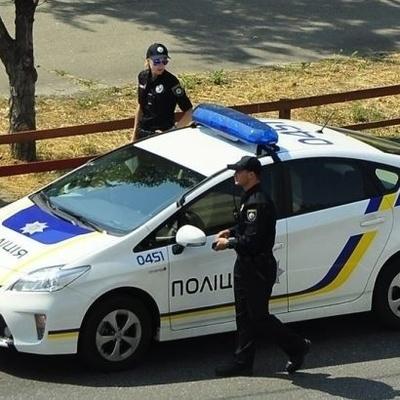 На Херсонщине налетчики в масках ограбили пассажиров автобуса