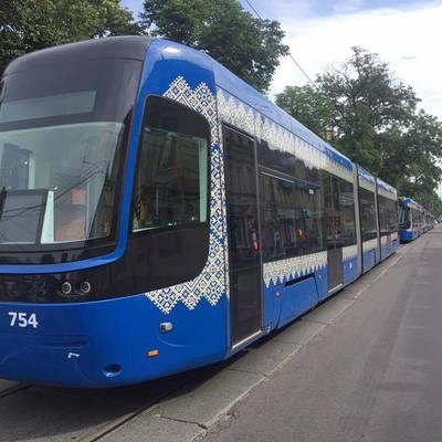 В Киеве водительница трамвая переехала мужчину
