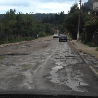 Дорога на Трускавец может обвалиться в любой момент