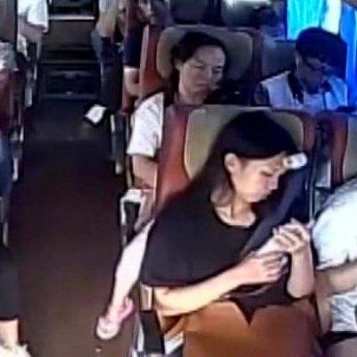 Ад на земле: в сети опубликовали видео из салона пассажирского автобуса, который попал в ДТП в Китае