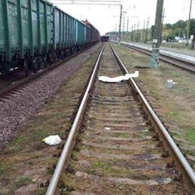 В Хмельницкой области поезд насмерть сбил парня