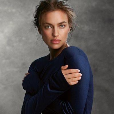 Ирина Шейк в нижнем белье показала роскошную фигуру