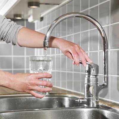 Жить станет дешевле: в Киеве снизили тарифы на отопление и воду
