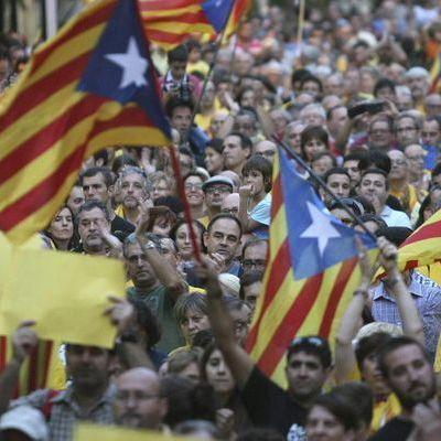 Меркель и Макрон выступили против независимость Каталонии