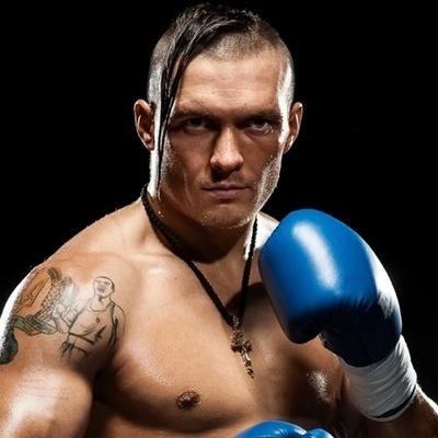 Украинский боксер Усик посетил бойцов АТО на передовой (видео)