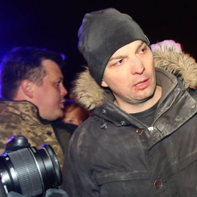 Я в аэропорту воевал!: под Радой нардеп Соболев подрался с митингующим (видео)