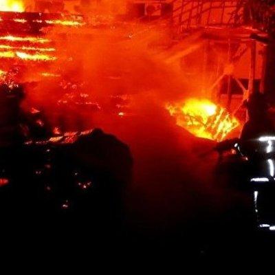 «Мы все сгорели бы заживо»: в киевском общежитии для переселенцев вспыхнул мощный пожар