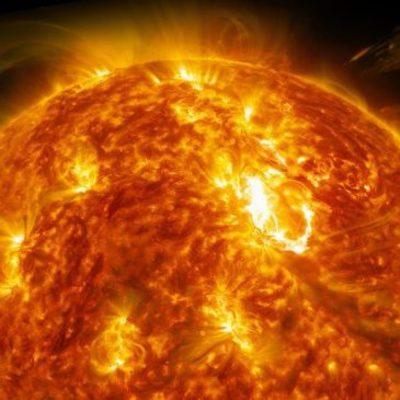 На Солнце образовалась огромная дыра