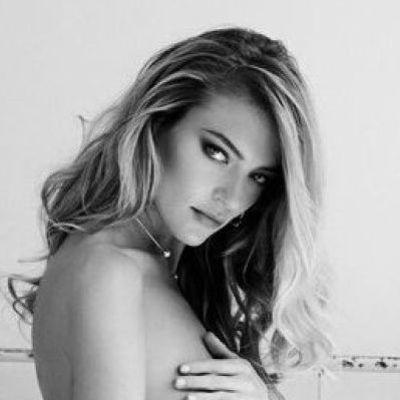 Марта Хант в эротичном фотосете для мужского журнала