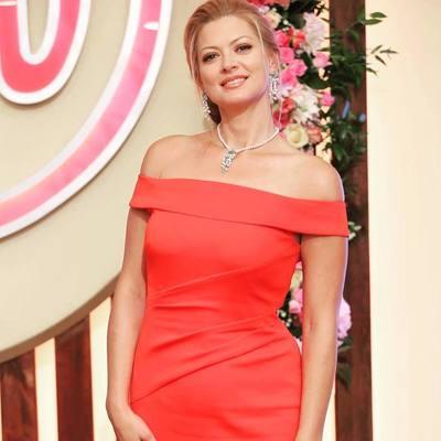 Татьяна Литвинова похвасталась роскошной фигурой в стильном вечернем платье