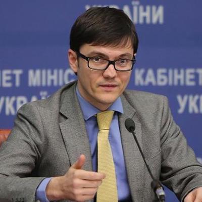 В Киеве сгорела машина водителя экс-министра инфраструктуры Пивоварского, - источники