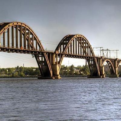 В Киеве могут ввести платный проезд по мосту через Днепр