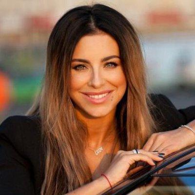 Популярная украинская певица растрогала сети старым снимком с мамой