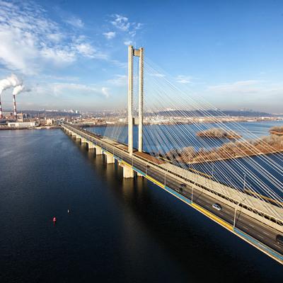 Сегодня ограничат движение на Южном мосту в Киеве