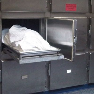 Американка забеременела от трупа в морге на $ 250 тысяч