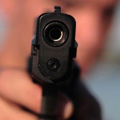 Под Киевом парень начал стрелять прямо на улице