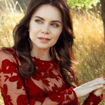 Лилия Подкопаева показала фото повзрослевшей дочери Каролины