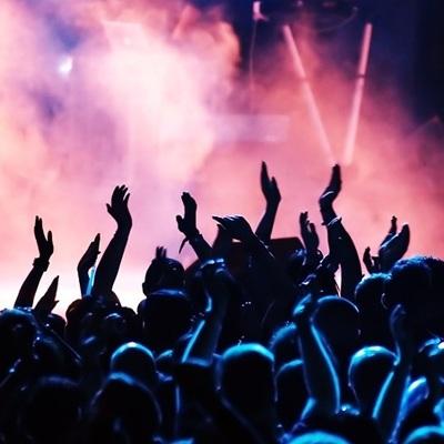 Известный украинский певец похвастался концертом в России (фото, видео)