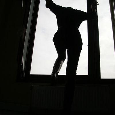 В Харькове мужчина разбился насмерть, выпав из окна