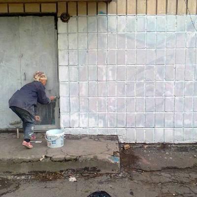 В Киеве начали истреблять граффити-рекламу наркотических средств