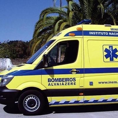 В Колумбии туристический автобус сорвался с высоты 150 метров: погибли люди (фото)