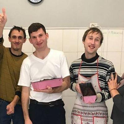 В Киеве открыли уникальную пекарню, где работают люди с интеллектуальными нарушениями (фото)