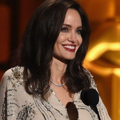 Анджелина Джоли шиканула в платье за 2 тысячи долларов