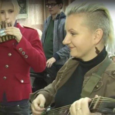 Рок-музыканты сыграли на инструментах из гильз и гранатометов (видео)