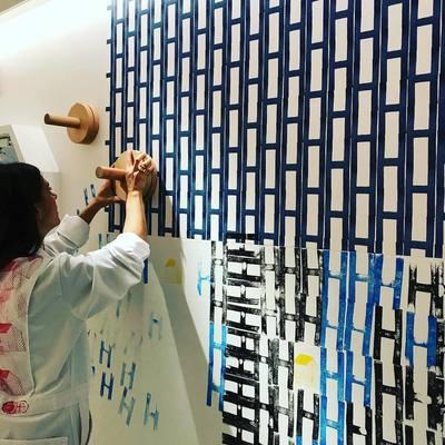 HERMÈS разрешили посетителям рисовать на стенах магазина