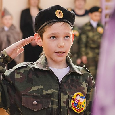 «Дядя Вова, мы с тобой»: сеть взорвал российский клип-пропаганда с детьми о Путине