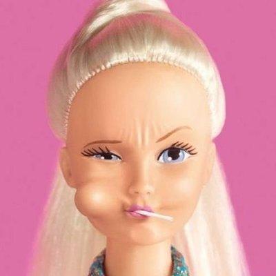 Впервые в истории куклу Барби одели в хиджаб (фото)