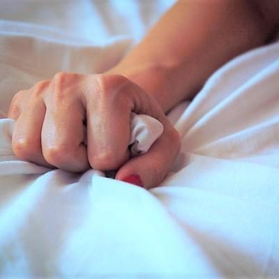 Учёные выяснили, что оргазм опасен для зрения