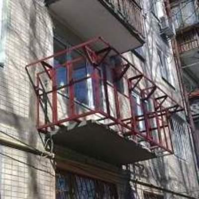 Житель столицы придумал необычный способ утепления (фото)