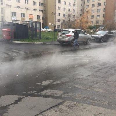 В Киеве улицу три часа заливало кипятком