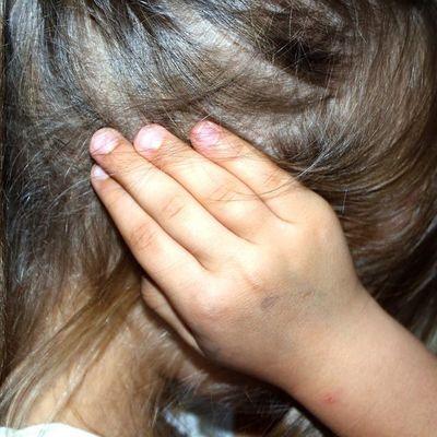 В Киеве 8-летний ребенок бьет сверстников, учителей и руководство школы