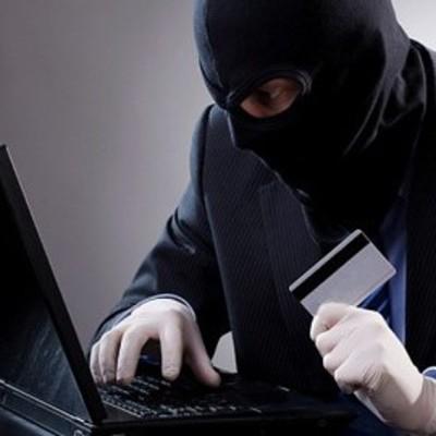 Мошенник украл с карточки деньги, собранные на лечение тяжелобольного ребенка