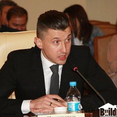 Депутат Киеврады Пилипенко купил рояль за 2 миллиона
