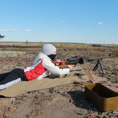 Сын Геращенко уже лупит с пулемета и душит кроликов