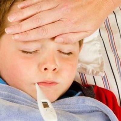 Врачи назвали 8 главных симптомов менингита