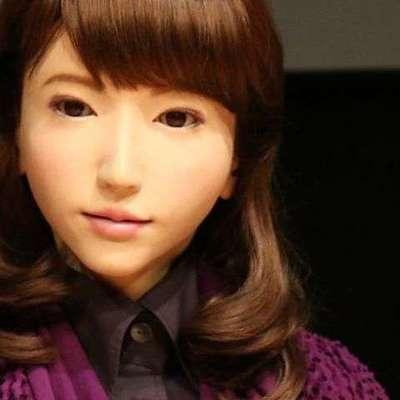 Журнал Vogue снял фотосессию с роботом-андроидом