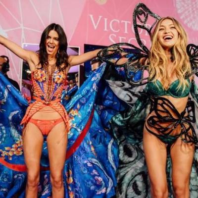 Горячие модели Victoria's Secret показали ангельский отдых