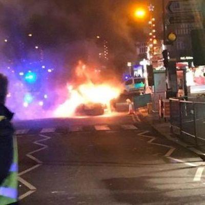 В Лондоне на рождественской ярмарке взорвался автомобиль