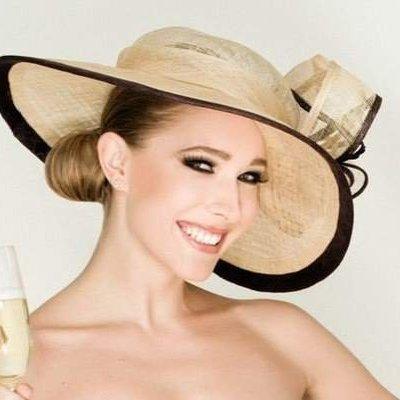 Катя Осадчая восхитила роскошным и элегантным образом