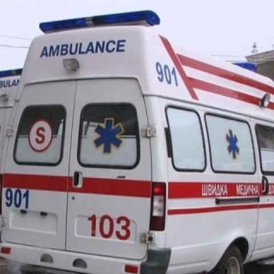 В Запорожье ребенок упав с дивана, проломил себе череп