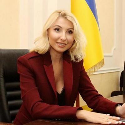 На глазах бедного народа: украинцы в шоке из-за мажорной свадьбы чиновницы