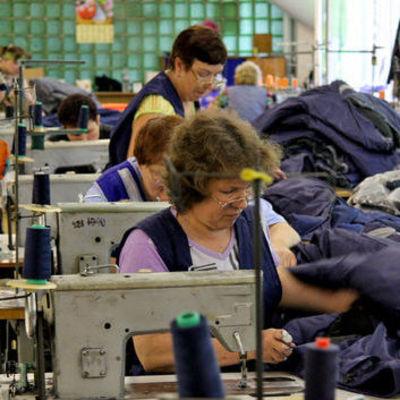 В Украине нелегально шили одежду для России